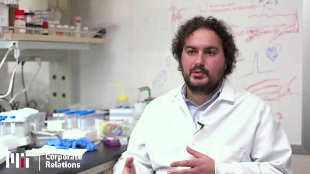 Scoperta negli USA da un italiano la nuova bioplastica fatta di seta